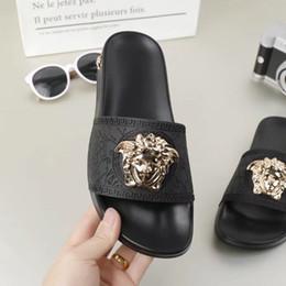 Chanclas de marca zapatillas online-2019 Europa Marca top grado Moda sandalias amantes causales verano huaraches zapatillas chanclas mujeres hombres zapatillas MEJOR CALIDAD 01