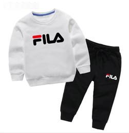 Vestiti poco costosi del bambino di modo online-2019 New Cheap fashion Abbigliamento per bambini Luxury baby 2-7T ragazzi e ragazze Sportswear shirt top + pantaloni di marca abbigliamento per bambini