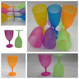 2019 rubinrote kristallgläser New Grinded Plastic High Foot Cup Reine Cocktail-Tasse Transparente High Foot Red Wine Cup Großhandel T3I5011