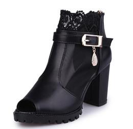 Donne coreane sandalo casual online-Scarpe da donna di moda sandali delle nuove donne di spessore tacco alto delle donne versione coreana del confortevole maglia selvaggia filato pesce bocca scarpe casual