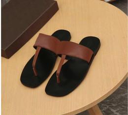 Falhanços de corrente on-line-Mens Flip Flops Correntes de metal chinelos sandálias de grife de luxo Flip Flops Sandálias slides de verão chinelos de couro Genuíno mens designer sapatos