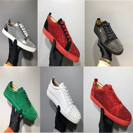 Nueva llegada Spikes Hombre Zapatos casuales Mujer Zapatilla de deporte Remaches de moda Corte bajo Cordones Fiesta Zapatos de boda Envío de la gota Estrella de cristal con caja desde fabricantes