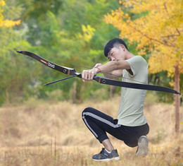 "2019 composto arco carbono seta 30/40/50 lbs 56"" Recurve Bow Tiro com arco Caça Longbow Takedown Bow Right Hand laminados Limbs Outdoor Alvo do tiro Riser de madeira"