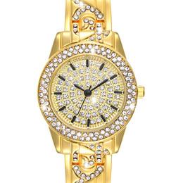 Каменные часы для женщин онлайн-Full Crystals Elegant Ladies Watch  Wrist Bracelet Watches for Women Stones Dial Roman Index Christmas Gift free shipping