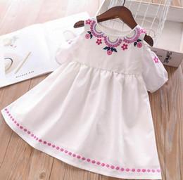 86d51a14328ca Robe fille fleur broderie vêtements pour enfants mode bébé épaule robe  d été enfants robe