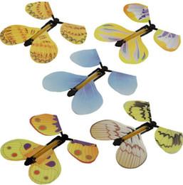 Juego gratis para niños online-Magic Flying Butterfly Butterflies Free from Empty Hands Kids Children Magic Props Juegos de novedad de juguetes OOA6650