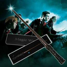 2020 led luminosi bacchette di harry potter Magia LED Wand 17 stili di luce Up Harry Potter Hermione Woldermort Cosplay bacchetta magica di Halloween di natale regalo di favore di partito 12pcs CCA11882 sconti led luminosi bacchette di harry potter