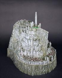 Estatuas de imitación online-Juguete de El señor de los anillos El Hobbit figuras de acción Minas Tirith modelo estatua juguetes imitación de cobre novedad cenicero mejor regalo