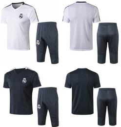 Real Madrid Futebol treino 18 19 conjuntos de treino de futebol de manga curta dos homens dos esportes jerseys 3/4 calças de qualidade thai futebol define ternos supplier thai kits de Fornecedores de kits tailandeses