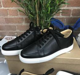 черные кроссовки белые кроссовки Скидка Высокое качество брендов новый белый, черный кожаный Rantulow повседневная обувь мужчины, женщины плоские роскошные низкие кеды с красной подошвой с коробкой