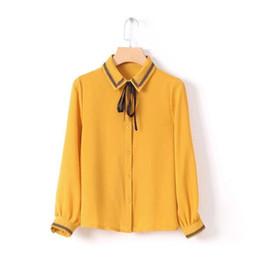 Blusa de cor amarela camisa casual on-line-Agradável Primavera Moda Feminina Bordado Turn-down Collar Bow Tie Strap Manga Longa Cor Amarela Casual Camisa Senhora Blusas