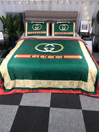 popular suit styles Coupons - Green 4 Pieces Bedding Sets Stripe Design European And American Bed Cover Popular Logo Print Summer Bedding Suit