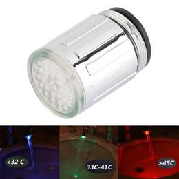 Criativo Sensor de Temperatura LEVOU Torneira de Água Torneira de Brilho Cozinha e Torneira Do Banheiro Acessórios Vermelho Azul Múltipla cor cheap faucet sensor de Fornecedores de sensor de torneira