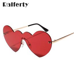 vintage herz geformte sonnenbrille großhandel Rabatt Großhandel herzförmige sonnenbrille frauen süße einteilige sonnenbrille uv400 vintage rote farbe eyewear party strand brille w1168