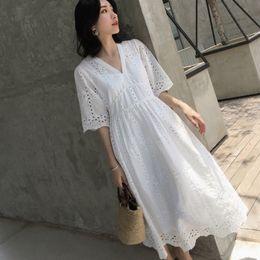 bafd7febb49 2018 Nueva marca de ropa de maternidad de verano Mujer breve con cuello en  v vestidos de gran tamaño vestido de mujer embarazada Md-00478 Y190522