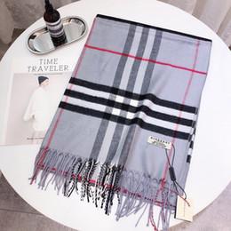 sciarpa bianca ricamata Sconti kk8The nuova sciarpa womencashmere di alta qualità per l'autunno / winter2020 è un nero di alta classe e nero lettera scialle ricamato, elegante e beau