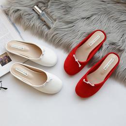корейская плоская обувь Скидка Bow-tied closed toe flat slippers women korean design flock/leather lazy shoes autumn slip on cozy mules slides girls flipflops
