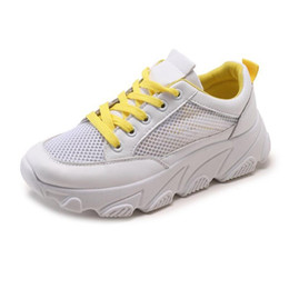 Повседневная обувь онлайн-AIKE Asia Women Shoes Fall White Sneakers Women  Retro Platform Student mesh casual Shoes Ladies Breathable board