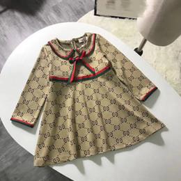 Хорошее качество платья партии онлайн-Мода девушки вечернее платье розничной торговли фабрики хорошего качества с длинным рукавом весна осень дети girsl наряд письмо печати платья с бантом