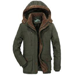 Nuevo Winter Parka Hombres Windbreaker Plus Velvet Abrigos con capucha calientes Hombres Espesar Fleece Chaquetas de algodón Tamaño 5XL 6XL Abrigo desde fabricantes