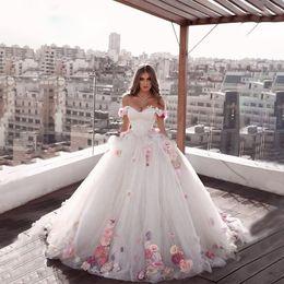 Vestido de noivado on-line-2020 bonito Off-a-ombro princesa Longo Weeding Vestidos de noivado A-Line feitas à mão Flores Tulle Noivas Vestidos Plus Size