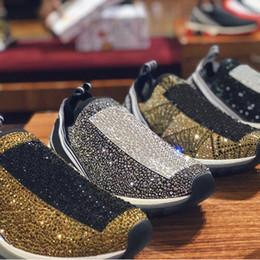 Strass preto apartamento on-line-Designer de luxo mulheres sorrento sneakers com cristais de strass Mens sneakers stretch preto branco vermelho glitter Runner Flat Trainers US5-12