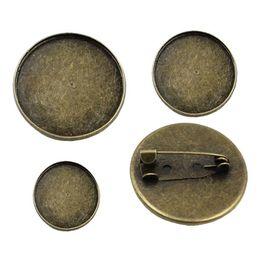 spille in bianco Sconti ewelry Accessori risultati dei monili Componenti 20pcs / lot Vintage rotondo in metallo bianco impostazione castone in bianco Base spilla cabochon con interno ...