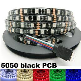 tableros dc Rebajas DC 12V Tiras LED 5050 SMD 60LEDs / M Tablero PCB negro Luz LED flexible Impermeable RGB 5050 Cinta LED TV Fondo Decoración
