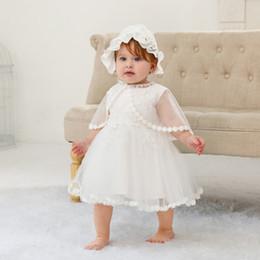 cappelli di battesimo delle ragazze Sconti Neonate battesimo abiti infantili tulle tulle tutu dress + merletto garza ricamo cappe + falbala cappello 3pcs set baby 1 ° compleanno vestito F7189
