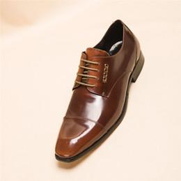 Meistverkaufte kleidschuhe online-Top-Marken Marken Best Selling klassischen formalen Kleid Schuhe Männer echte Leder braune Schuhe schnüren Luxus Designer Männer Business Oxford Schuhe