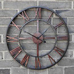 Fer forgé antique en Ligne-Nouveau 3D Circulaire Rétro Horloge Murale Romaine 47cm Forgé Creuse En Fer Vintage Grand Muet Horloge Murale Décorative sur la Décoration Murale pour la maison