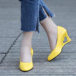 Pompe stiletto a cuore online-Designer Dress Shoes Bigsweety Pumps Ladies Stiletto Donna Tacchi alti Strange Heart Heels Woman Pumps Bowtie Ufficio Matrimonio Nuziale