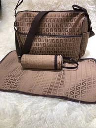 Мешки для медсестер онлайн-Детская сумка для подгузников с интерфейсом USB Большая емкость Водонепроницаемая сумка для подгузников Мамочка для беременных Рюкзак для кормления Сумочка