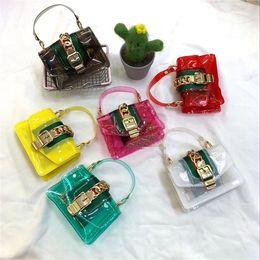 borse estive carine Sconti Borse per bambini Designer 2019 New Summer Neonate Mini Princess Purses Chain Crossbody Borse per bambini Carino trasparente Jelly Bags Borse da spiaggia