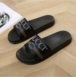 Piel frama online-Gucci Men Women Genuine Leather Slip-resistant Slides Summer Beach Flat Cover Flip G Slippers Sandals House Flops with Spike Slides Sandal