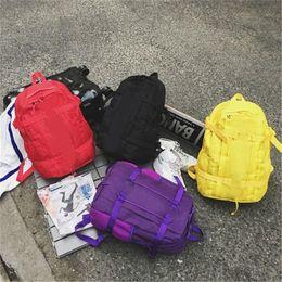 Argentina Hot Fashion Luxury Designer Bag Superme Travel Bolsas para estudiantes Hombres Mujeres Bolsa de hombro Mochila Mochila de gran capacidad para paquetes de deporte al aire libre Suministro