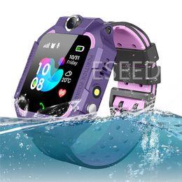 Telemóveis para crianças on-line-Z6 Crianças Relógio Inteligente IP67 Slot Para Cartão SIM Rastreador GPS SOS Crianças Smartwatch Q19 Pulseira Para iPhone Android Celular