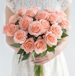 fiori freschi di rosa Sconti Fresh Rose Artificial Rose Flowers Real Touch Rose Flowers Decorazioni per la casa per la festa nuziale o la pianta finta di compleanno