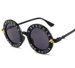 Novos óculos de sol pequenas abelhas rodada quadro óculos de sol homens e mulheres da moda óculos tendência óculos de sol UV400 Frete Grátis de