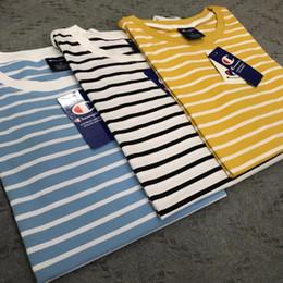 Homens listrados camisetas on-line-Homens Mulheres Camisas de Moda T 2019 Verão Chegada Nova Mens Designer Listrado Tops Roupas Femininas Casal de Luxo Letras Casuais Bordados Tshirts