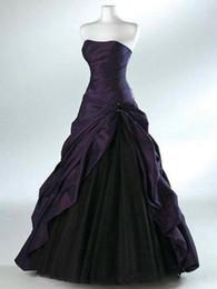 Abiti da sposa viola scuro online-Abiti da sposa viola scuro e nero con cascata a cascata senza maniche a pieghe scollo a cuore pavimento lunghezza corsetto abiti da sposa