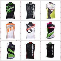 MERIDA team cyclisme sans manches en jersey gilet respirant tops polyester à séchage rapide vêtements de sport en plein air d'été vêtements mens Q52735 ? partir de fabricateur