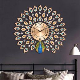 relojes de pared de lujo moderno Rebajas Modern Luxury Diamond cristal de cuarzo relojes de pared del pavo real 3D para sala de estar casera Decoración grande silenciosa del reloj de pared Art Crafts