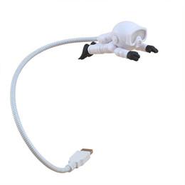 Diver mini usb night light se puede personalizar logotipo portátil protección para los ojos luz portátil regalo electrónico venta de dos piezas desde fabricantes