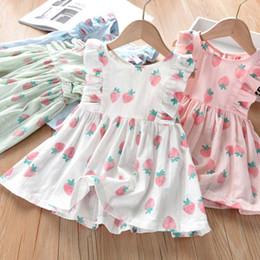 Vestiti di fragola da bambini online-Neonate Dress Kids Cute Strawberry Print Fly Seleeve Dress 2019 New Fashion Summer Kids Designer Abiti Vestiti 4 colori