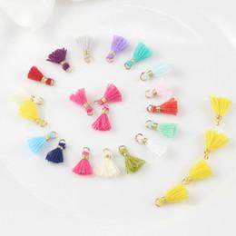 kupferfeder charme großhandel Rabatt Freies Verschiffen 16 Farben 1.0cm / 50pcs koreanische Süßigkeit-Farben-Baumwollquaste-Ohrring-Zusatz-Quaste für DIY handgemachten Schmuck-Materialien