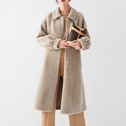 Molto cappotti invernali online-2019 nuovo cappotto vera pelliccia di pecora donne giacca di pelliccia naturale al 100% molto lungo di lana fodera in pelle cappotto molto caldo per l'inverno F1115