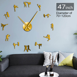 Reloj de pared decorativo grande online-Figuras de Taekwondo DIY Reloj de pared gigante Kickboxing Karate Guys Arte marcial Reloj de pared decorativo grande