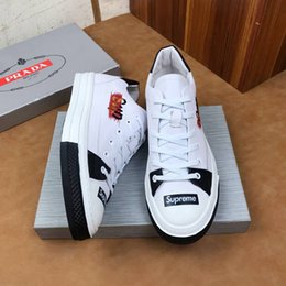 Calçado de plástico on-line-2019 Verão oco Out Plastic Sneakers For Men Shoes Vadear Masculino Praia Pesca calçado macio WAN1