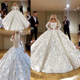 voller federrock Rabatt Weg von der Schulter-volle Spitze-Prinzessin Brautkleid Luxus mit langen Ärmeln Dubai geschwollenen Rock Brautkleider mit Federn Robe De Mariee